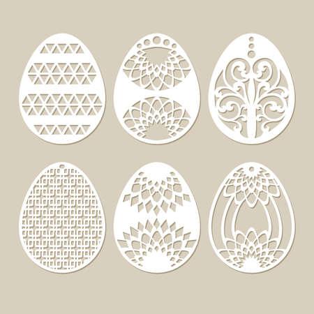 새겨진 openwork 패턴과 스텐실 부활절 달걀을 설정합니다. 레이저 절단에 적합한 이미지. 플로터 및 레이저 절단 또는 인쇄에 적합한 이미지