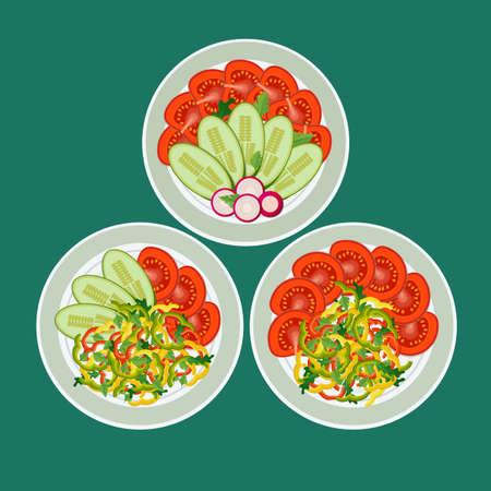 Drie gerechten met gehakte groenten. Peper, tomaten, radijs en komkommer mooi op borden neergelegd. Concept gezond eten.
