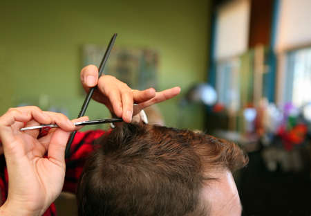 long hair man: Mans haircut
