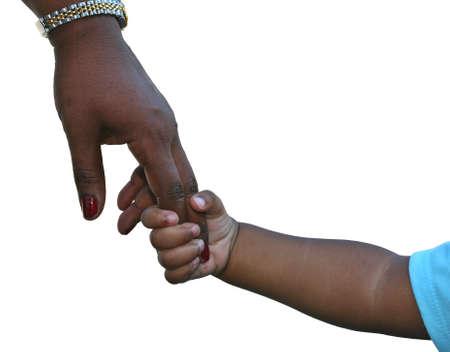 Afroamericana familia: niño está aislado madres sosteniendo la mano en blanco