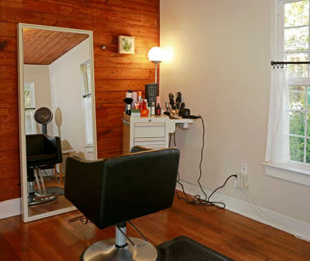 Room Interior in modern beauty salon with mirrir reflections Фото со стока - 91274937