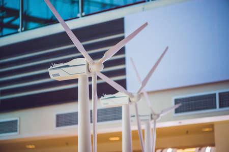 krachtig en ecologisch energieconcept. Industriële windinstallatie.