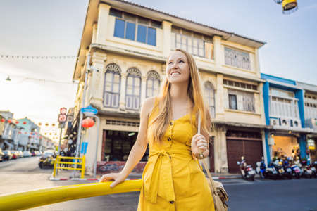 Woman tourist on the Street in the Portugese style Romani in Phuket Town. Also called Chinatown or the old town Banque d'images