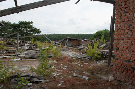 Ruins of the roof on the abandoned building Foto de archivo