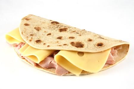 alimentation: Piadina romagnola, traditional italian sandwich