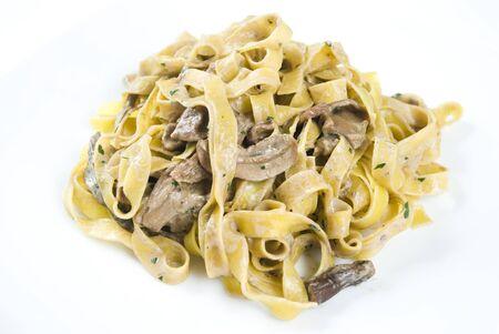 truffe blanche: Tagliatelle ai funghi porcini, tagliatelles aux champignons