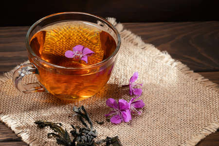 Herbal tea made from fireweed known as blooming sally in cup. Banque d'images
