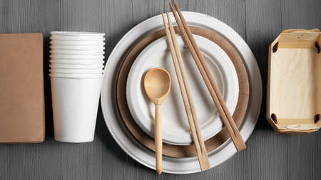 Eco friendly packaging and dishes made from natural recyclable materials. Environmental protection and waste reduction concept, top view, flat lay 免版税图像