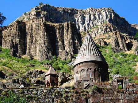 prayer tower: Geghard monastero armeno in montagna Archivio Fotografico