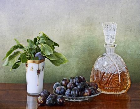 distilled: Slivovitz � un liquore distillato dai Balcani prugne mature o stramature, Il colore va dal bruno ricco di trasparenza nome white.The deriva dalla parola slava del sud per una prugna. Bevanda nazionale in Croazia.