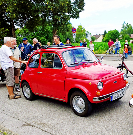 fiat: GARCHING, GERMANY, vintagecars at Garching traditional parade: an Italian Classic red Fiat 500 Editorial