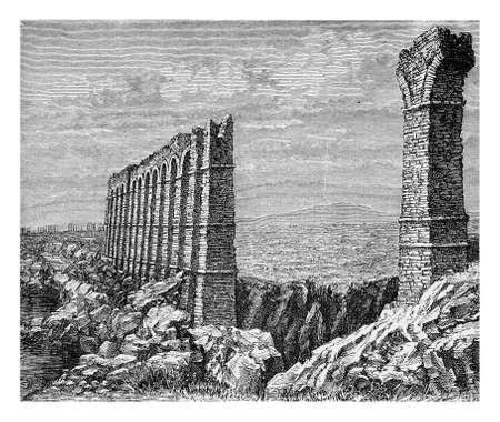 longest: Ruins of the ancient aqueduct of Carthage,  one of the most longest of the Roman empire, XIX century engraving Stock Photo
