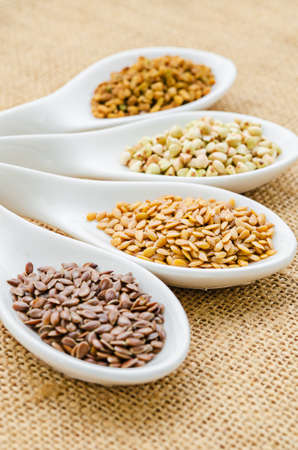 gold flax: fenugreek seeds, bukwheat seeds, gold linseeds and brown linseeds.