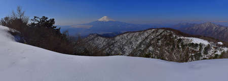 04 / 04 / 2017 Japan Mount Fuji of the panorama from the mountain