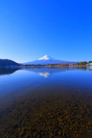 japan Kawaguchi Lake Mt. Fuji with blue sky from 免版税图像