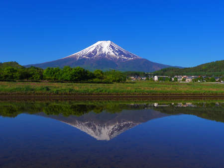 Mount Fuji with Blue Sky from Fujiyoshida City Japan 05/14/2020 免版税图像