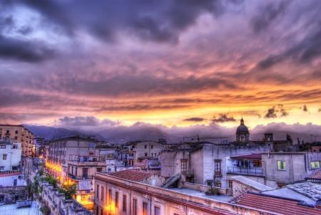 Palerme vue au coucher du soleil dans hdr.Sicily Éditoriale