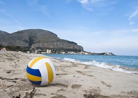 mondello: La famosa spiaggia di Mondello, a Palermo, Sicilia