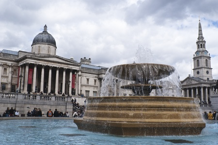 places of interest: Trafalgar Square in London with National Gallery and fountains