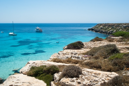 La splendida spiaggia a Isola di Favignana Sicilia, Italia, Isole Egadi Archivio Fotografico - 21170451