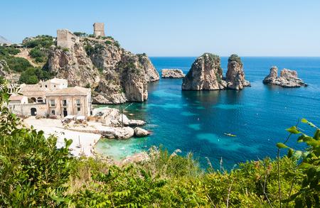 Scopello, 시칠리아, 이탈리아는 Faraglioni과 톤 나라