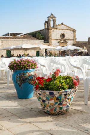 MARZAMEMI, ITALY - JULY 22, 2018:The picturesque village of Marzamemi, in the province of Syracuse, Sicily, Italy. Editoriali
