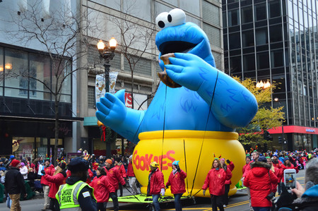 mcdonalds: Chicago, Illinois - USA - November 24, 2016: Cookie Monster Balloon in McDonalds Thanksgiving Parade