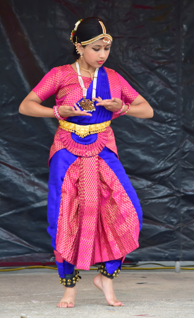 Bloomington, Illinois- USA - Jun 24,2018 - Classical Dance at Normal Chariot Festival Redactioneel