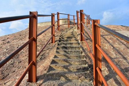 Namakkal, Tamilnadu - India - October 17, 2018: Namakkal Fort Staircase 新聞圖片