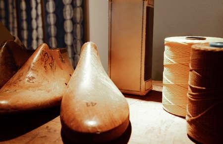 cobbler: wooden forms for cobbler crafstman