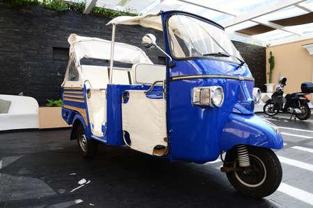 typisch Affe Piaggio für die Gäste Transport in Capri