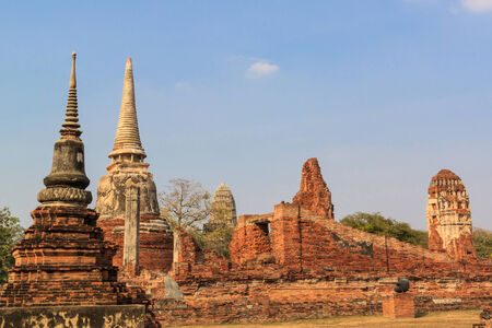 stupas: Stupa buddisti, Wat Mahathat in Ayutthaya, Tailandia