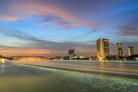 Bangkok Chaopraya River View at twilight Zdjęcie Seryjne