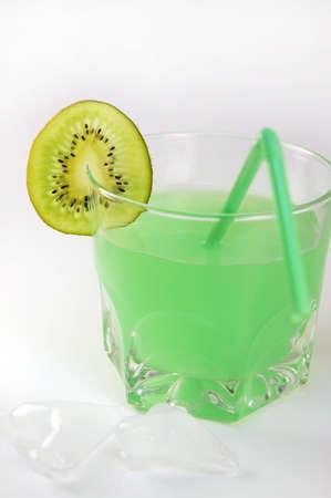 kiwi juice with ice