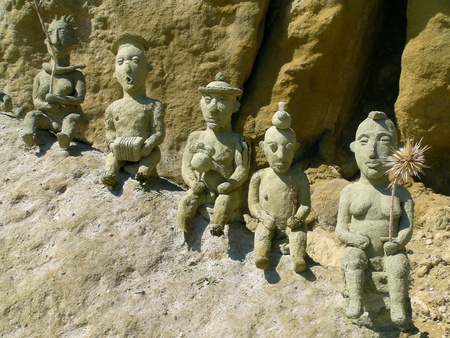 kreta: Beach art on Red Beach near Matala