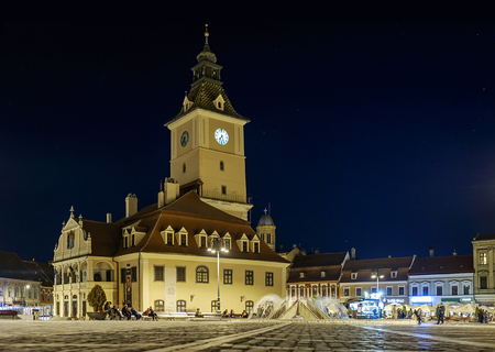 Clock Tower in the center of Brasov at night time 1 Stockfoto