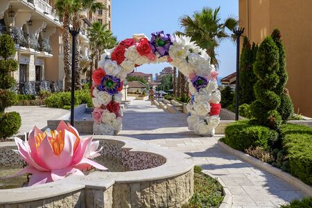 Arch made of flowers and decorations for the wedding ceremony 2