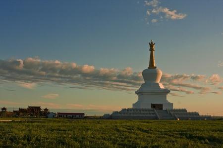 lamaism: White Pagoda Temple