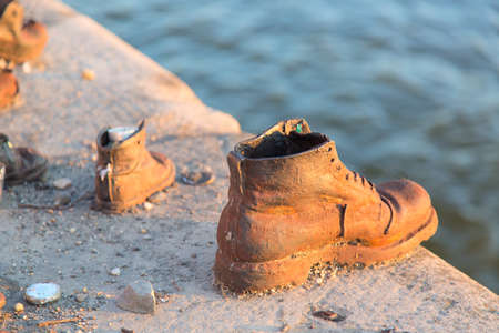 Shoes on Danube.  Memorial in Budapest Hungary. 免版税图像