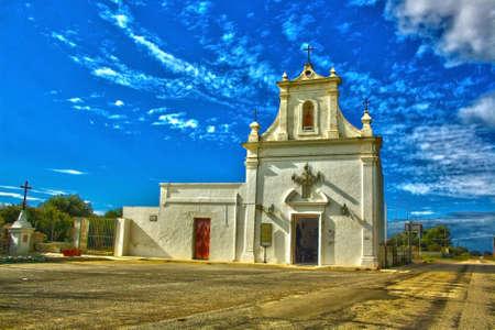 ancient rural church in Puglia 版權商用圖片