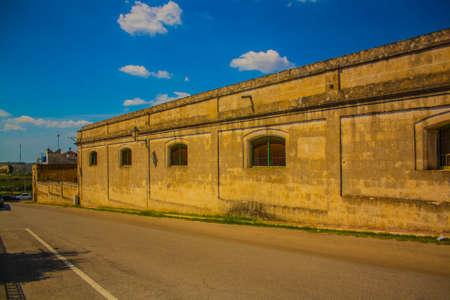 the old buildings in the historic center of grottaglie Archivio Fotografico - 108107171