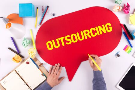 offshoring: BUSINESS OFFICE ANNOUNCEMENT COMMUNICATION OUTSOURCING CONCEPT