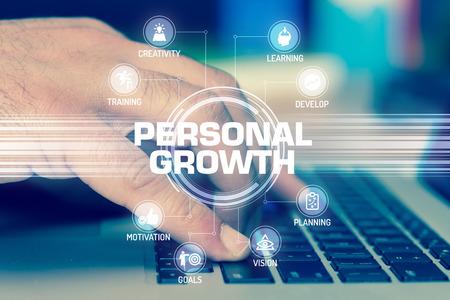 crecimiento personal: PERSONAL TECNOLOG�A DE CRECIMIENTO DE COMUNICACI�N DE LA PANTALLA T�CTIL CONCEPTO FUTURISTA Foto de archivo