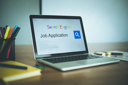 job engine: Search Engine Concept: Searching JOB APPLICATION on Internet