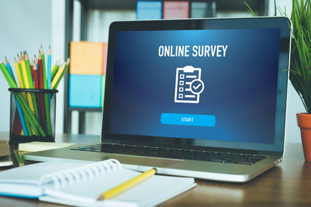 ONLINE SURVEY FEEDBACK CUSTOMER SATISFACTION CONCEPT Stock Photo