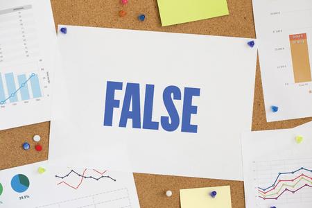 falso: TABLA DE GRÁFICO DE ASUNTO RESULTADO DE LA EMPRESA falso concepto Foto de archivo
