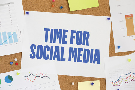 realtime: CHART BUSINESS GRAPH RESULT COMPANY  TIME FOR SOCIAL MEDIA CONCEPT Stock Photo