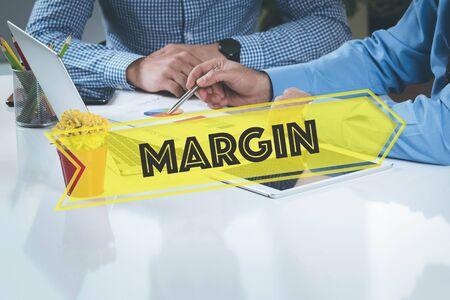 margin: NEGOCIO DE TRABAJO DE OFICINA Margen equipo del concepto BRAINSTORMING
