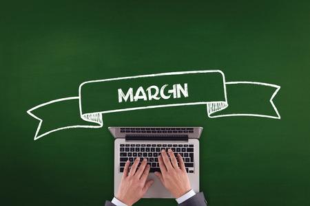 margen: PERSONAS DE TRABAJO DE OFICINA concepto de comunicación MARGEN DE LA TECNOLOGÍA