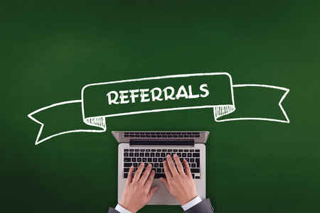 referidos: PEOPLE WORKING OFFICE COMMUNICATION  REFERRALS TECHNOLOGY CONCEPT